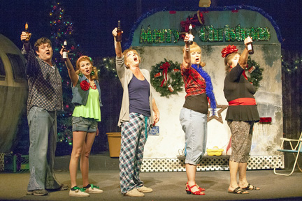 Trailer Park Christmas.Christmas At Stray Dog Theatre S Trailer Park Is Lots Of